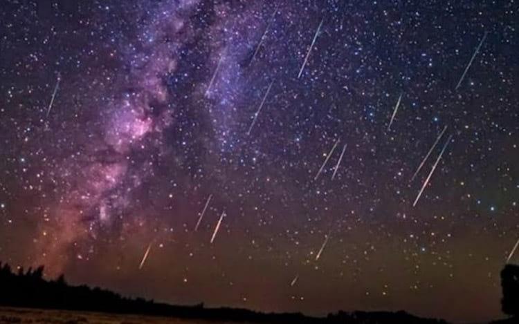 Fenômeno ocorre ainda neste mês entre os dias 15 e 26 de abril ao amanhecer