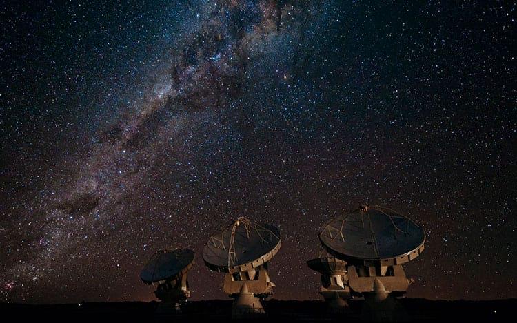 Radiotelescópios empregam conceitos das equações de 2º grau