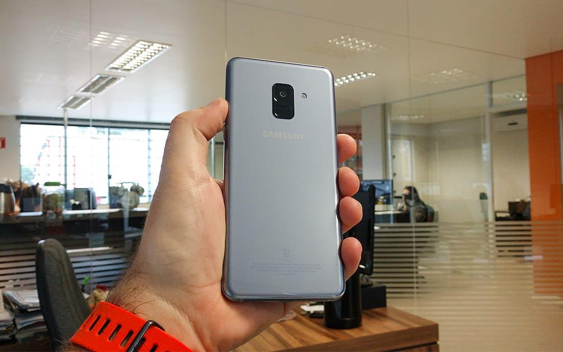 Design do Galaxy A8