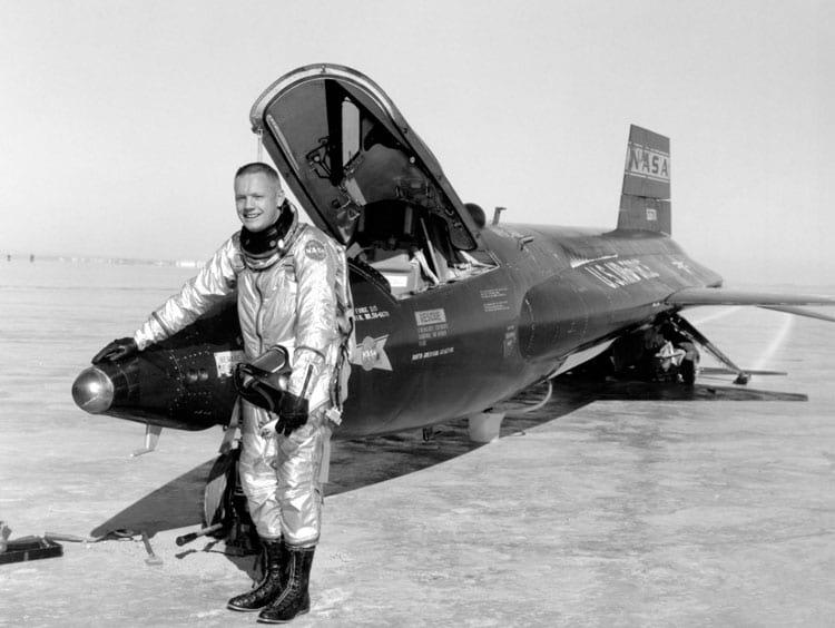 Neil Armstrong com o X-15, depois de um voo em 1960