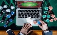 É possível apostar de forma legal na internet?