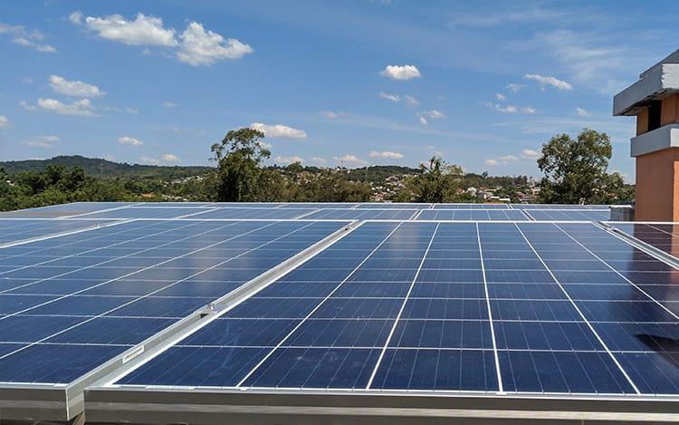 BNDES muda regra e abre financiamento de placas solares para pessoas físicas