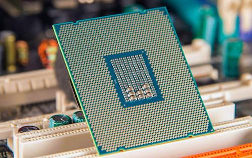 Core i7 8086K: Intel apresenta processador de 28 núcleos e clock de 5GHz