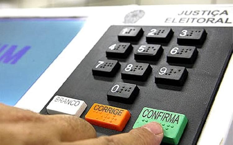 Crítico a urna eletrônica brasileira, professor da Unicamp deixará o país