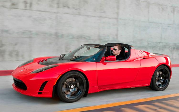 Tesla Roadster é o primeiro esportivo da marca (até hoje)