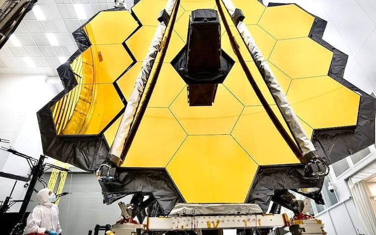 NASA adia novamente lançamento de telescópio James Webb.