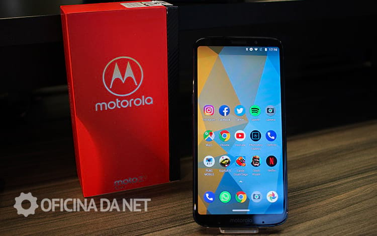 Tela Super AMOLED do Moto Z3 Play