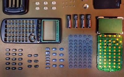 Como funciona uma calculadora?