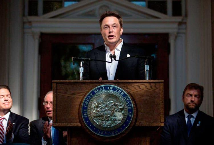 Elon Musk para imperador do universo? Tem meu voto