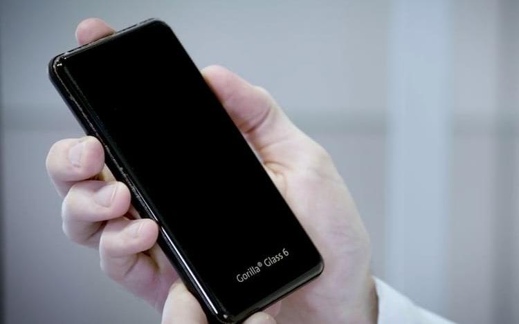 Grande resistência: Gorilla Glass 6 é revelado.