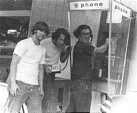 Galera fazia fila nos anos 60 para hackeartelefones
