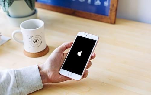 O que fazer quando o seu iPhone ou iPad não liga ou não carrega?