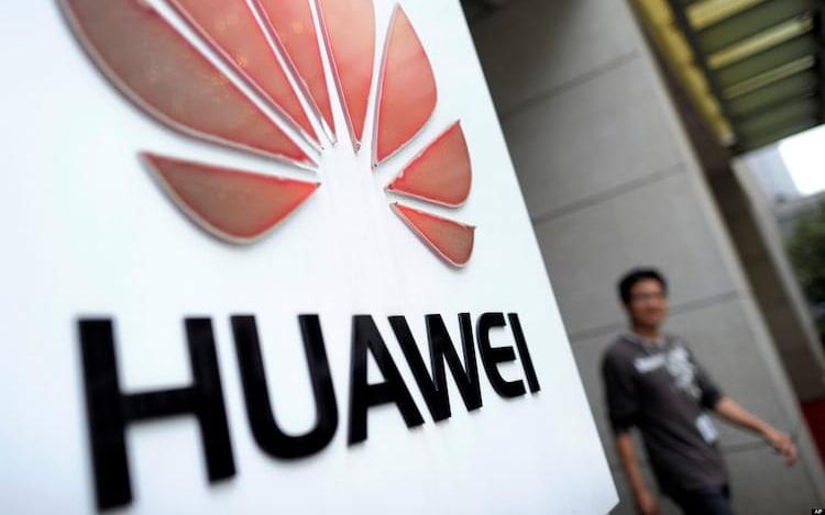 Huawei foi a empresa que mais vendeu smartphone com notch. O Notch acabou ficando conhecido mundialmente após a Apple empregar a novidade no seu iPhone X.