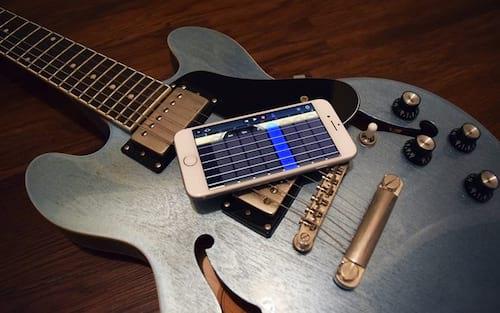 Conheça 5 aplicativos para aprender a tocar violão ou guitarra no iPhone