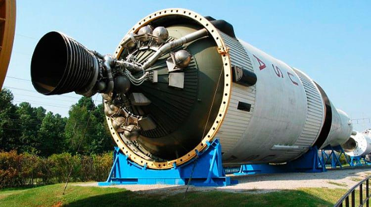 """Um S-IVB que foi proposto para ser usado como """"casa"""", em exposição pública"""