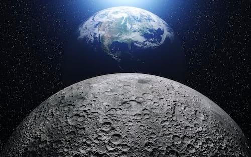 NASA diz que Lua possui dois depósitos de gelo