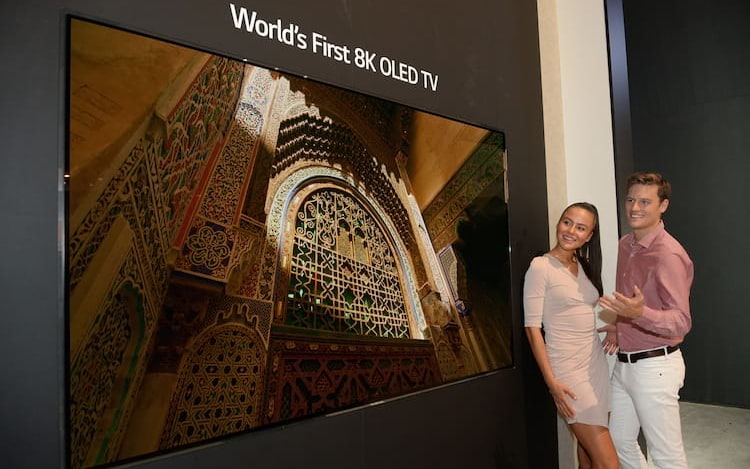 LG revela primeira TV 8K OLED do planeta.