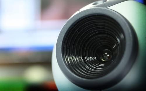 Como desativar o microfone e a webcam no notebook ou PC Windows?