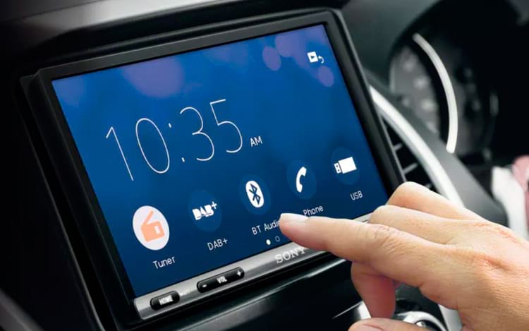 Sony revela central multimídia para carros com Android Auto ou Apple CarPlay