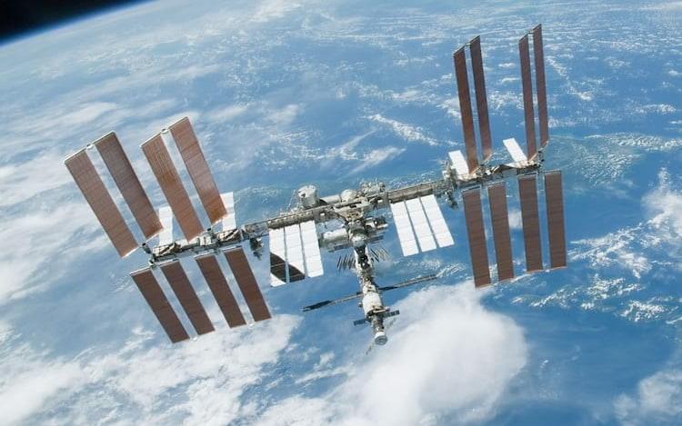 Japão irá conduzir testes para desenvolvimento de elevador espacial.
