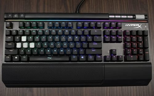HyperX revela teclado mecânico gamer Alloy FPS RGB com switches Kailh Silver Speed
