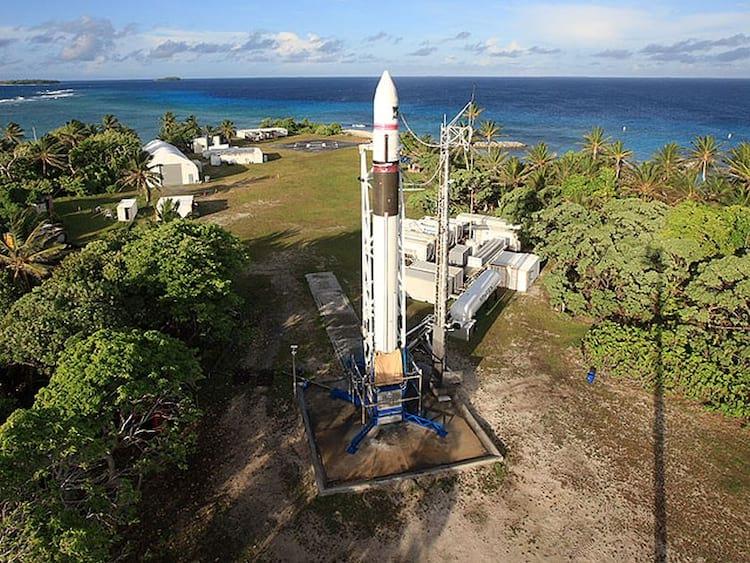 A década de dominância da SpaceX começou em setembro de 2008, com o quarto voo do foguete Falcon 1. É mostrado aqui, na Ilha Omelek. Esta galeria destaca outras conquistas desde então