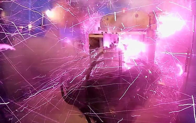 Cientistas explodem próprio laboratório ao criarem campo magnético
