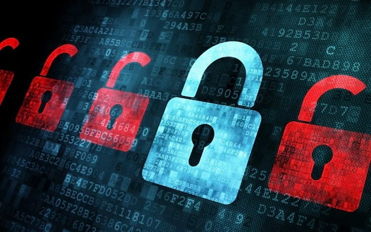 Espiões chineses podem ter inserido microchips em servidores da Apple e Amazon.