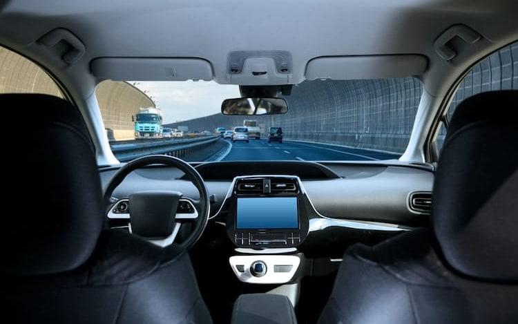 EUA irão reescrever normas de segurança para circulação de carros autônomos