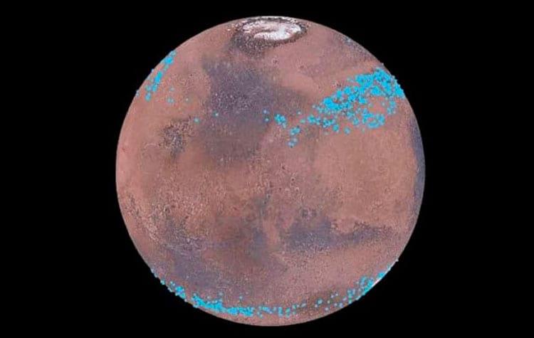 Os pontos azuis representam as geleiras dispostas no Planeta Vermelho