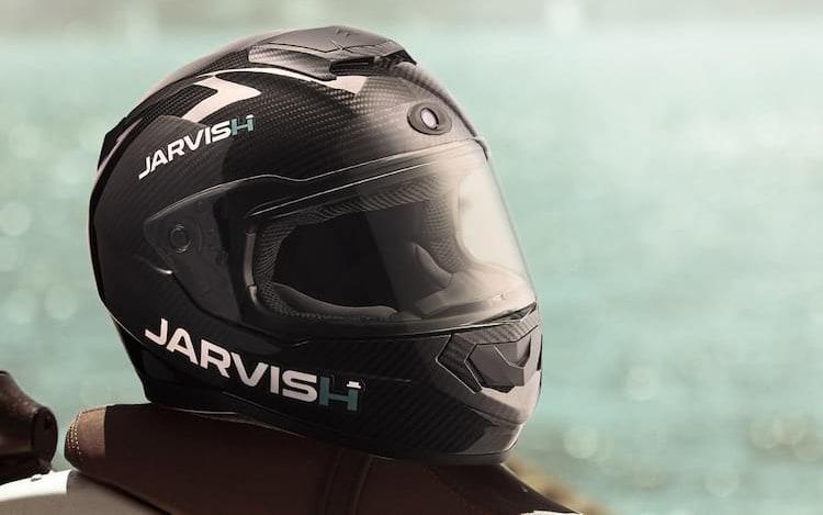 Capacetes de motociclista da Jarvish terão suporte a Alexa e Siri.