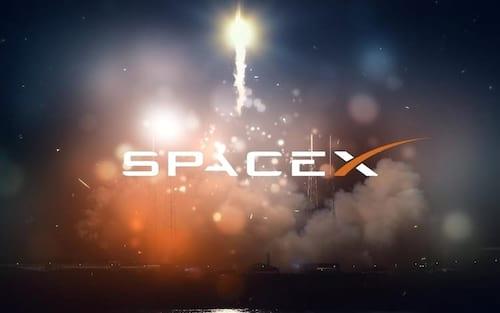Space X aterrissa com sucesso seu foguete Falcon 9
