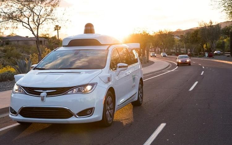 Carros sem motorista da Waymo já percorreram 10 milhões de milhas em via pública.