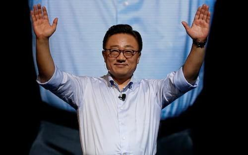 Samsung diz que celular dobrável pode se tornar um tablet ao ser aberto