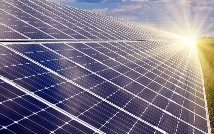Quanto mais painéis solares, maior desperdício, afirmam pesquisadores.