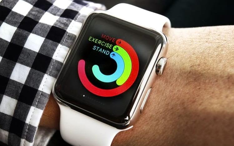 Apple investiga relatório sobre trabalho ilegal de estudantes na construção de relógios da Apple.