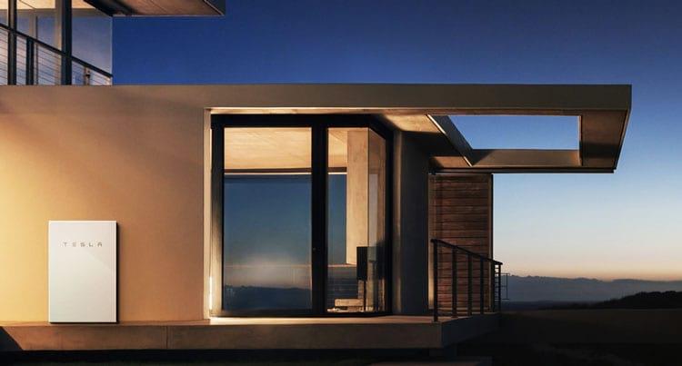 A bateria caseira Powerwall foi a grande motivação para a Tesla comprar a SolarCity