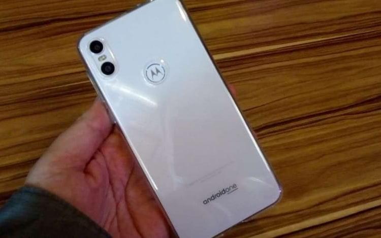 Motorola One é o primeiro aparelho a receber Android Pie no Brasil.