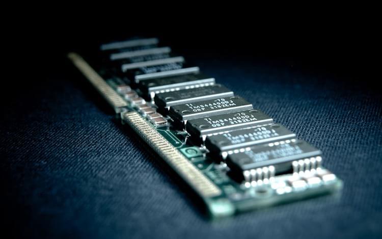 Como descobrir o tamanho, tipo e a freqüência da memória RAM do seu PC?