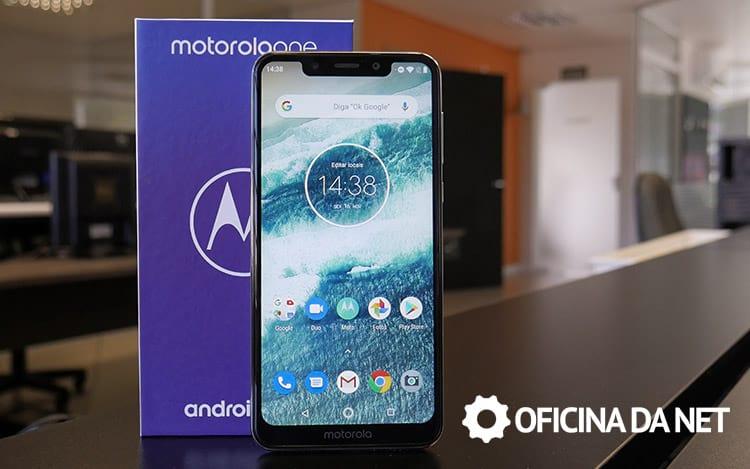 93941fe2e Review Motorola One - Bonito por fora