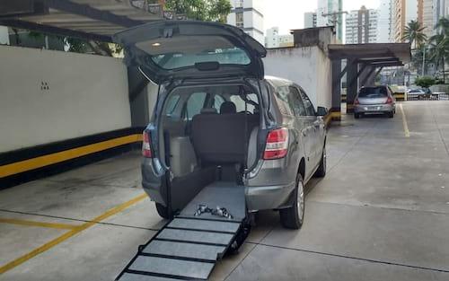 Uber deve passar a oferecer viagens mais acessíveis a cadeirantes