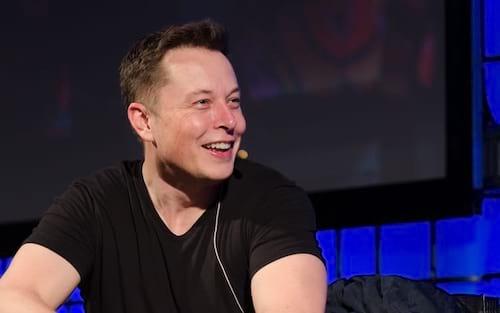 Elon Musk diz que há 70% de chance de ele partir para Marte