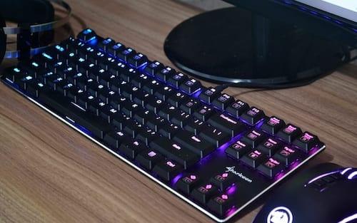 Review Sharkoon Purewriter RGB - Um teclado além dos precedentes