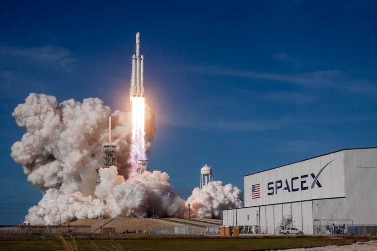Falcon Heavy.