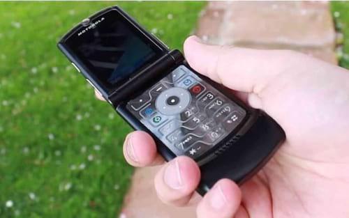 O Razr da Motorola será relançado como smartphone dobrável de US$ 1.500