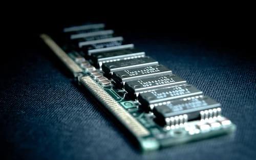 O que é e como funciona a memória RAM?