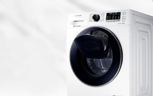 Roupas lavadas e com odor? Veja como limpar sua máquina lava e seca