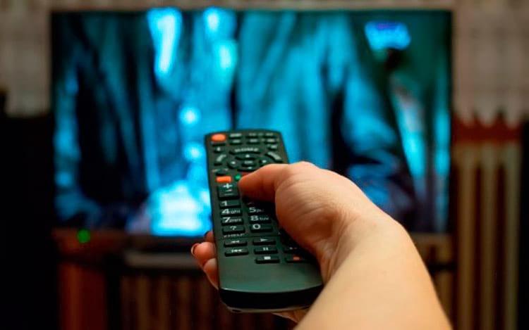 TV por assinatura perde 550 mil clientes em 2018 no Brasil