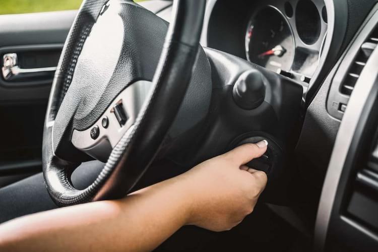 Quando parar, desligue o carro