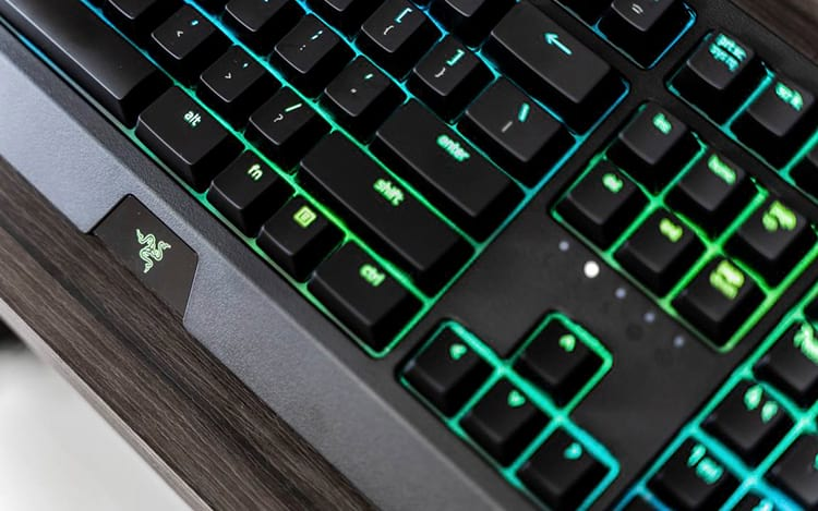 O novo Razer BlackWidow 2019 - Review - Mais ou menos, bonito e caro